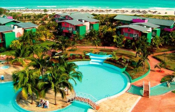 Отель четыре звезды Barcelo Solymar 4 находится на первой береговой линии