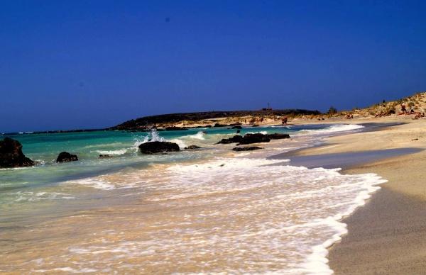 Пляж Элафонисси с розовым песком вам понравится однозначно
