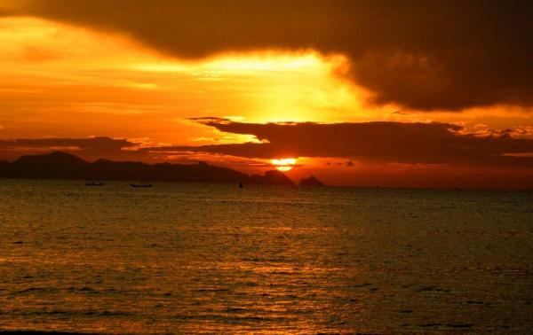 Отдых в Тайланде и на его курортах, закат на Самуи в сиамском заливе