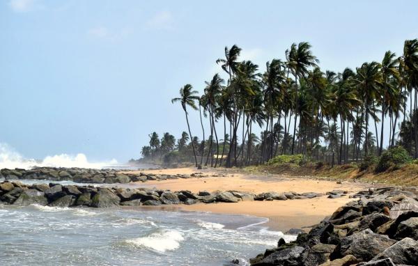 Все курорты Шри-Ланки - это безусловно пляжи пляжи и пляжи ...