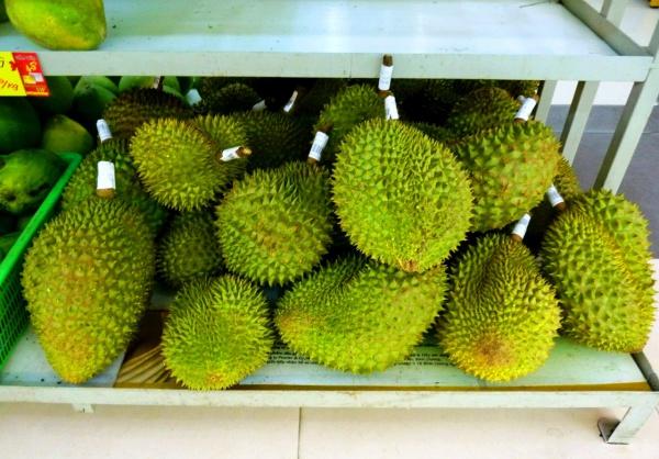 Экзотический и известный всем фрукт из Шри-Ланки - Дуриан, прославился дурным запахом корки