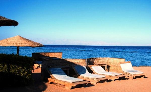 Страна - Египет, припляжное кафе у гостиницы на курорте Дахаб