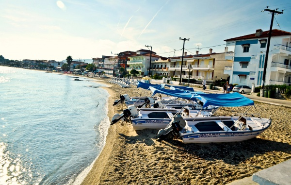 Страна Греция - это моторные лодки, острова и пляжи