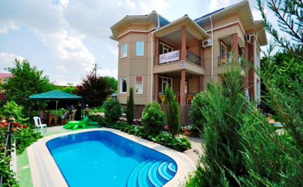 Уютный коттедж можно взять в аренду в Крыму