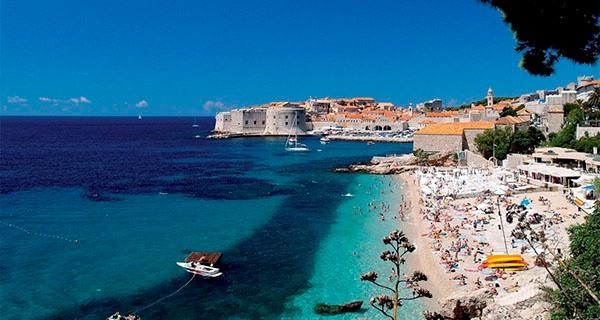 На Кипре великолепные пляжи и прозрачная вода