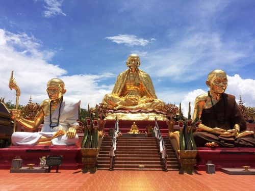 Провинция Чианграй север Тайланда. Сакральный храм Wat Sang Kaew.