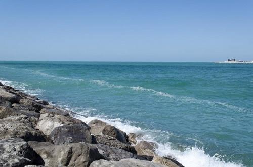 Персидский залив. Пляж Jumeirah Open Beach. Дубай