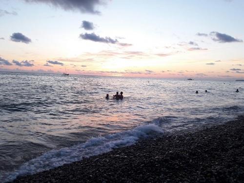 Пляж, п. Лазаревское