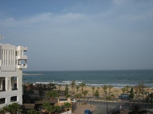 Тунис, типичный отель Хаммамета с видом на пляж и море