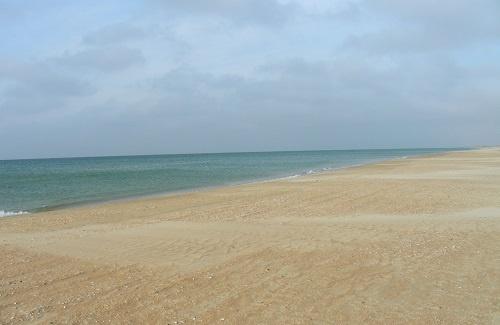 Песок на пляже в Витязево