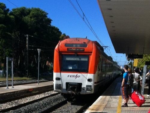 Электричка Салоу-Барселона