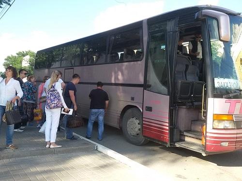 Автобус в Лазаревское