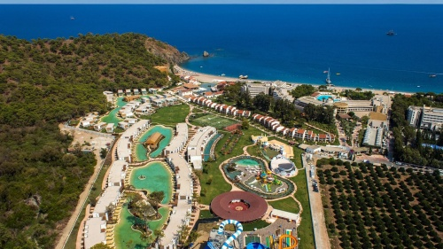 Вид с высоты птичьего полета на отель Rixos Premium Tekirova 5