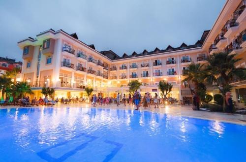Отель в Кемере