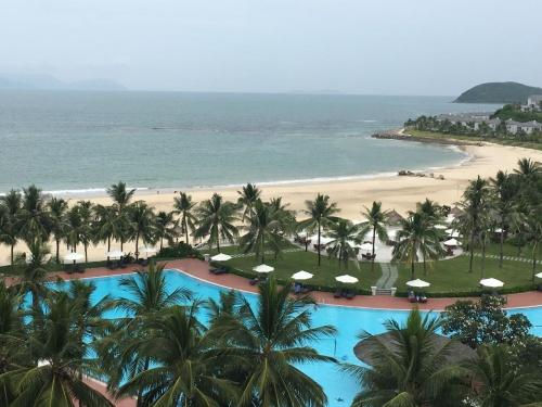 Вид из номера отеля Vinpearl Resort Nha Trang 5