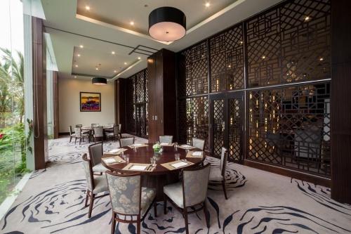 Отель Vinpearl Nha Trang Bay Resort Villas 5