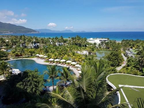 Красивый вид из отеля Muong Thanh Grand Nha Trang 4