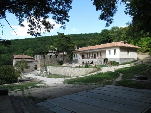 Монастырь Сурб-Хач Апостольской Армянской Церкви