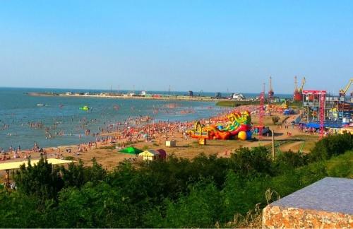 Детский песочный пляж Каменка